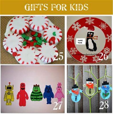 best preschool christmas gifts 26 best images about preschool craft on reindeer handprint salt dough and