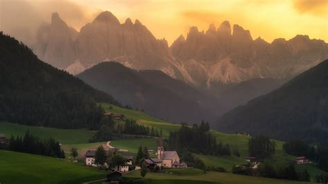 Val Di Funes Italy Hd Wallpaper