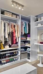 Idée Dressing Fait Maison : dressing femme cacher et ranger les v tements en beaut ~ Melissatoandfro.com Idées de Décoration