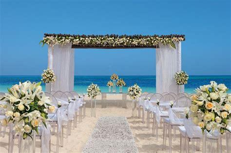 Best 25+ Beach Wedding Ceremonies Ideas On Pinterest