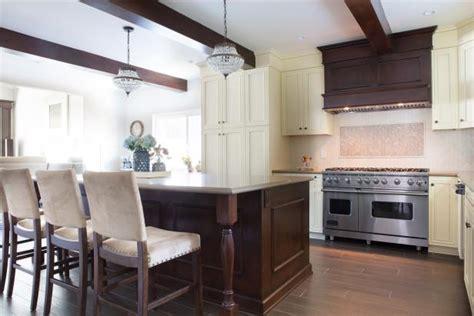 classy eat  kitchen  wood range hood  spacious