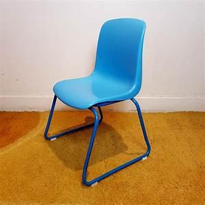 Chaise Enfant Vintage : chaise enfant vintage empilable assise plastique bleu le havre vintage ~ Teatrodelosmanantiales.com Idées de Décoration