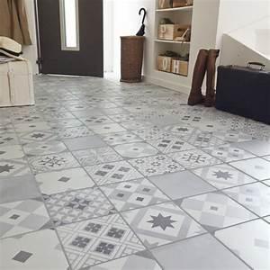 un carrelage blanc et gris effet carreaux de ciment With carrelage carreaux de ciment castorama