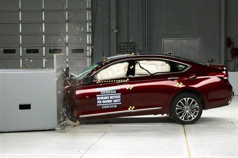 Hyundai Genesis Safety Rating by 2015 Hyundai Genesis Awarded Iihs Top Safety Rating