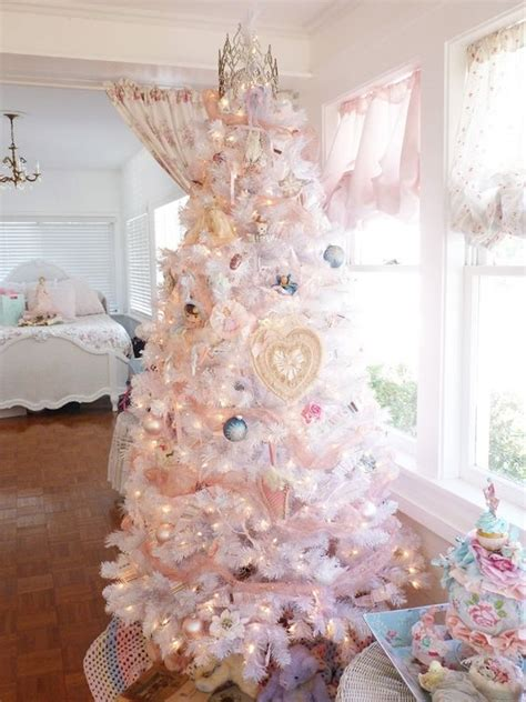delicate shabby chic christmas decor ideas digsdigs