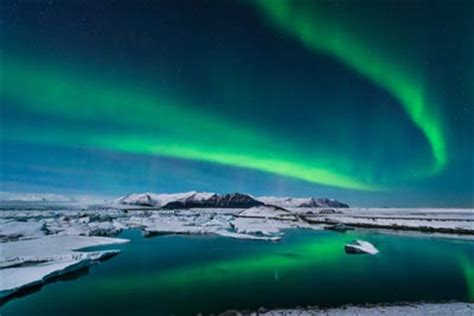 blue lagoon northern lights  golden circle iceland