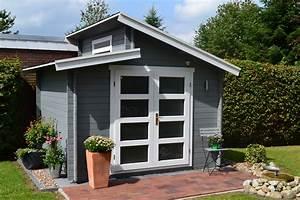 Gartenhaus Grau Modern : pultdach gartenhaus in grau und wei mit einer mediterran gestalteten terrasse urlaubsfeeling ~ Buech-reservation.com Haus und Dekorationen
