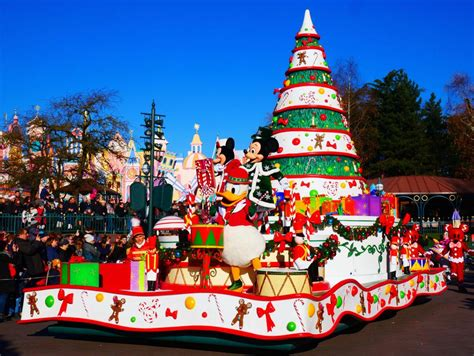 best 28 when do christmas lights go up at disney world