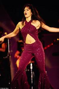 Selena to be resurrected as hologram for 2018 tour | Daily ...