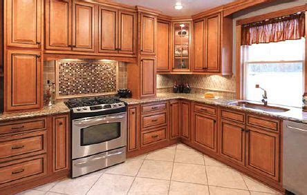 Hickory Kitchen Cabinets Wholesale by Best 10 Hickory Kitchen Cabinets Ideas On