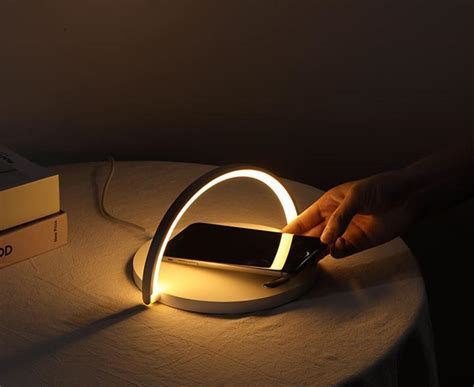 smart led night light qi wireless charge lamp  iphone