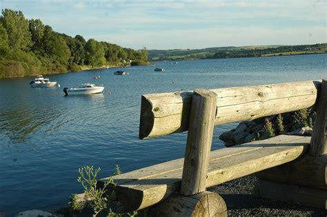 randonn 233 e autour du lac de pareloup et en l 233 v 233 zou aveyron cing beau rivage lac de