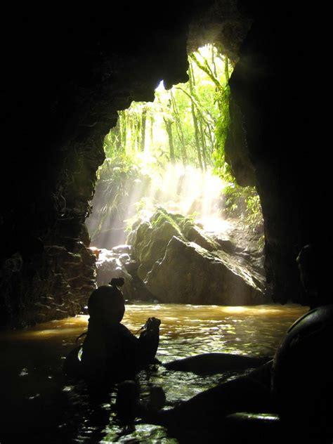 Black Water Rafting - Waitomo Caves - NZ | Black Water ...