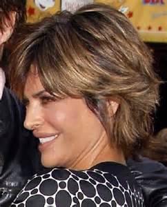 Medium Short Hairstyle Lisa Rinna