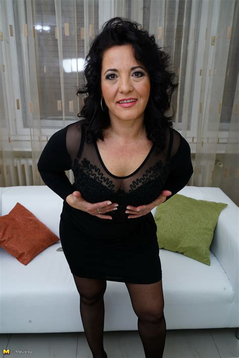 MATURE NL! Only at 6mature9.com - Amateur moms, older women, and sex with hot milfs inside!
