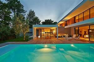 Ha 10 villa contemporaine par hybre architecte en gironde for Plan maison avec patio 12 ha 10 villa contemporaine par hybre architecte en gironde