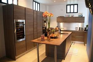 Cuisine equipee avec ilot central 2017 et cuisine avec for Petite cuisine équipée avec meuble de rangement salle a manger pas cher