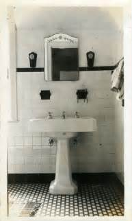 1940s bathroom design file 1930s bathroom jpg wikimedia commons