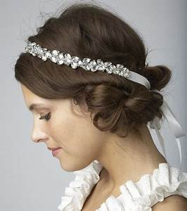 Chignon Cheveux Mi Long : photo coiffures mariage cheveux mi longs headband avec ~ Melissatoandfro.com Idées de Décoration