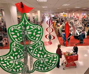 Retailers push early shopping for holiday season