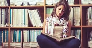 The average college freshman reads at 7th grade level