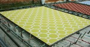der perfekte teppich frische farben und tolle muster fur With balkon teppich mit tapete gelb orange