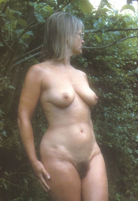 Yvonne Naked Outside Photo Album By Wendy