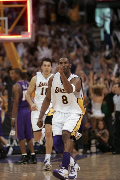 kobes buzzer beater lifts lakers chronicleaugustacom