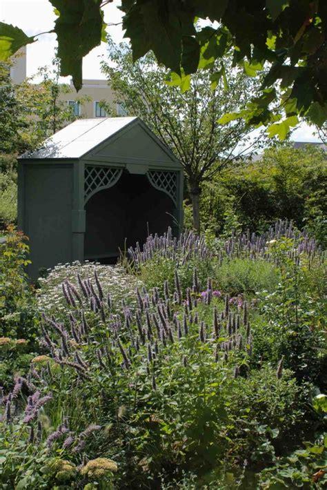 Garten Eben Machen by Traumgarten Ein Englischer Garten In W 252 Rzburg Garten