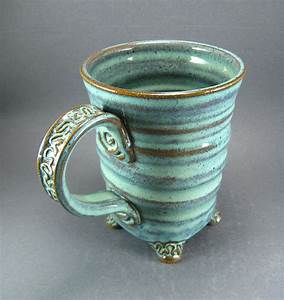 Cool mug style, with cute little FEET! / pottery ...