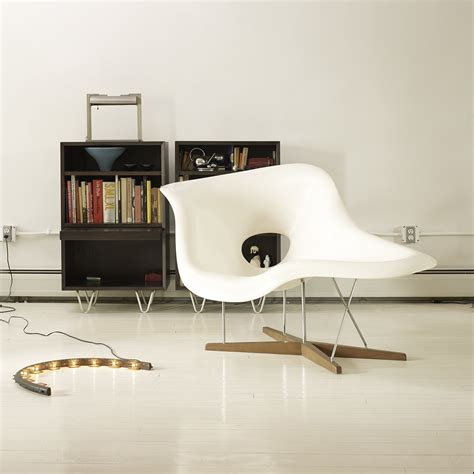 chaise type eames chaise style charles eames 28 images charles eames chaise fauteuil blanc inspire eiffel