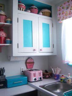 Cupcake Kitchen Theme on Pinterest   Cupcake Kitchen Decor