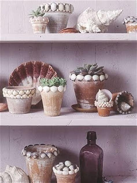 decorating pots  shells coastal decor ideas