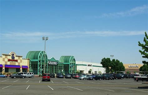 file gateway mall springfield oregon jpg wikimedia commons