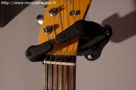 accrocher une guitare au mur accueil accessoires guitares promo hercules support mural pour guitare en