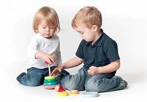 Baby Mit 1 Jahr : babygeschenke 1 jahr sinnvolles spielzeug f r babys ~ Markanthonyermac.com Haus und Dekorationen