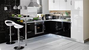 que penser des meubles noirs pour une cuisine With idee deco cuisine avec cuisine intégrée prix