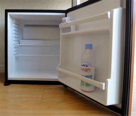frigo chambre un mini frigo vide dans chaque chambre picture of