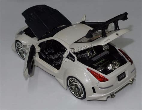 24 Nissan 350z Blanco Jada Kustom Display