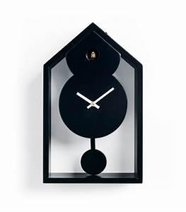 Orologio a cucù moderno, da muro, con finitura laccata in