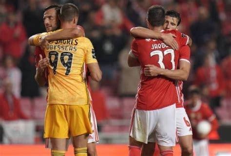 Fc porto b 1x2 odds at least. Jornada 9: Benfica vs Porto B - GORDO VAI À BALIZA