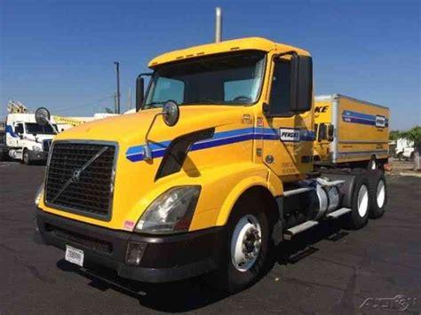 2012 volvo big rig volvo vnl64t300 2012 daycab semi trucks