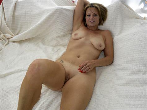 aNR3Y1349634240.jpg in gallery Hot American Milf/Gilf great legs 4 (Picture 3) uploaded by ...