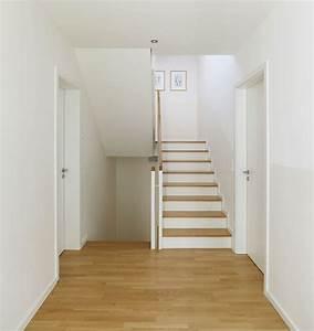 Flur Deko Ideen : wandgestaltung flur mit treppe kreative ideen f r design ~ Lizthompson.info Haus und Dekorationen