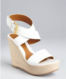 Fendi White Leather Crisscross Ankle Strap Stacked Wedge ...