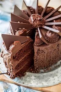 Gateau D Anniversaire : le g teau d anniversaire au chocolat les meilleures ~ Melissatoandfro.com Idées de Décoration