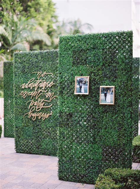 Wedding Decor Obsession Alert Boxwood Hedge Walls