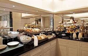 Petit Buffet Salon : breakfast at le grand hotel du palais royal pr te moi paris ~ Teatrodelosmanantiales.com Idées de Décoration