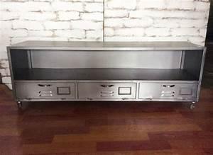 Meuble Tv Fer : meuble tv en fer argent steel l meuble tv achatdesign ventes pas ~ Teatrodelosmanantiales.com Idées de Décoration