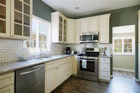 shaker kitchen tiles kitchen with white shaker style cabinets white subway 2175